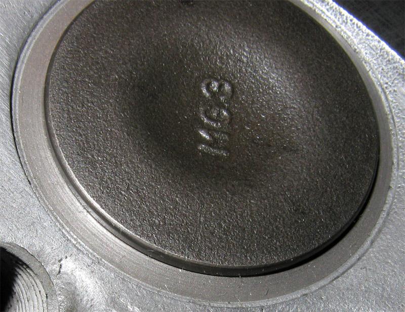 Chambre de combustion avec soupapes neuves - Soupape de decompression chambre froide ...